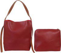 Red Pout Women Red Messenger Bag