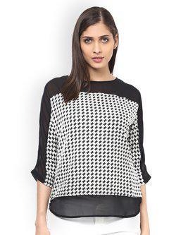 109F Women Off-White & Black Printed Top