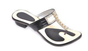 Fashbeat Women Black Heels