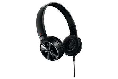 Pioneer SE-MJ532-K Fully Enclosed Dynamic Headphone