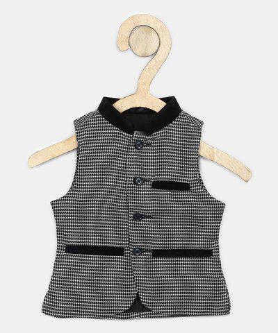 Gini & Jony Sleeveless Self Design Baby Boys Jacket