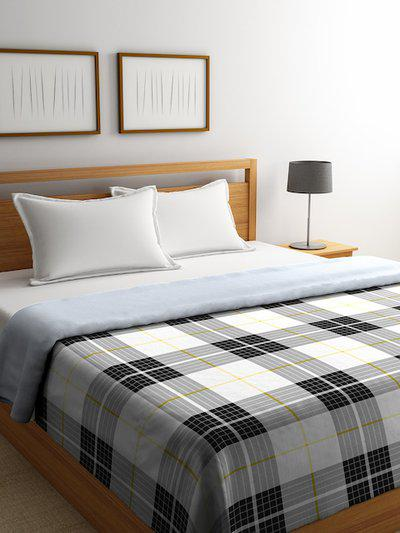 Portico New York Black & White Checked AC Room 120 GSM Double Bed Comforter