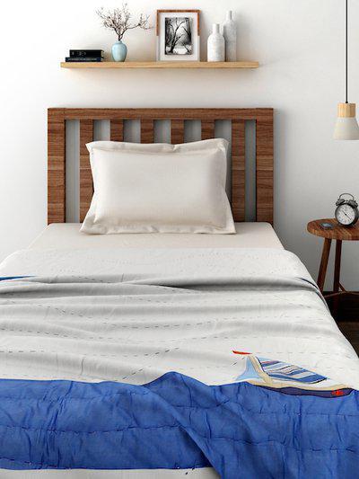Little MASPAR White 120 GSM Colourblocked AC Single Quilt (Comforter)