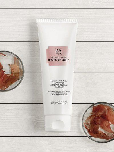 The Body Shop Unisex Drops Of Light Cleansing Foam Brightening